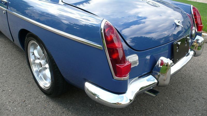 1968 MG MGB RESTORED SHOW CAR - 7795495 - 41