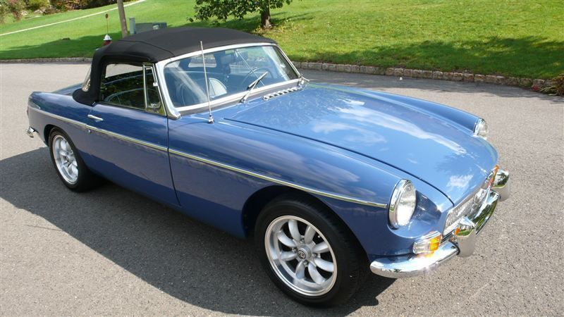1968 MG MGB RESTORED SHOW CAR - 7795495 - 4