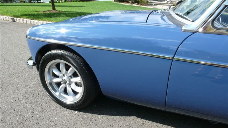 1968 MG MGB RESTORED SHOW CAR - 7795495 - 50