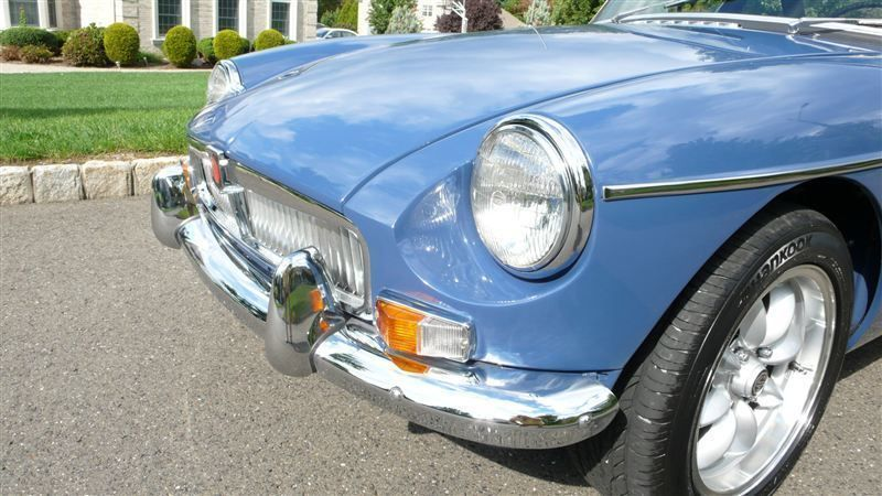 1968 MG MGB RESTORED SHOW CAR - 7795495 - 5