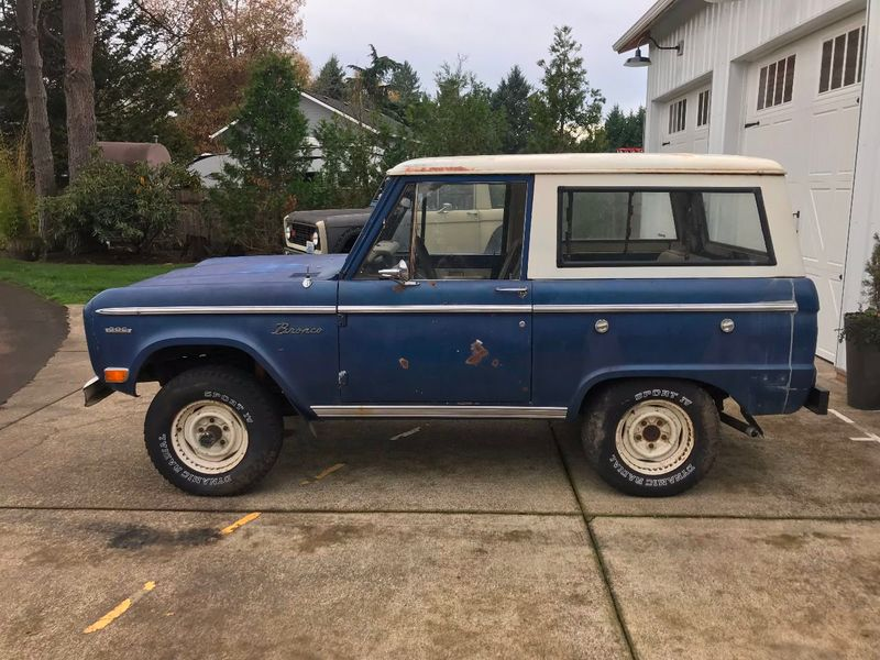 1969 Ford Bronco Completely Stock - 302, 3spd Manual. Very Straight Body!  - 17060320 - 3