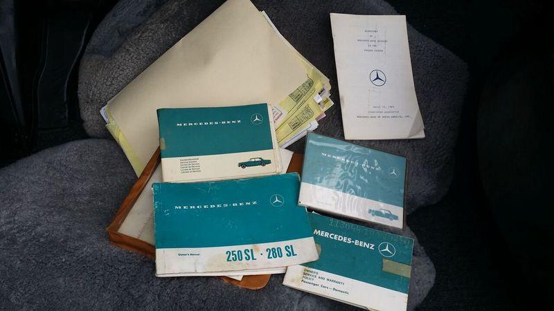 1969 Mercedes-Benz 280SL SOLD - 16577656 - 29