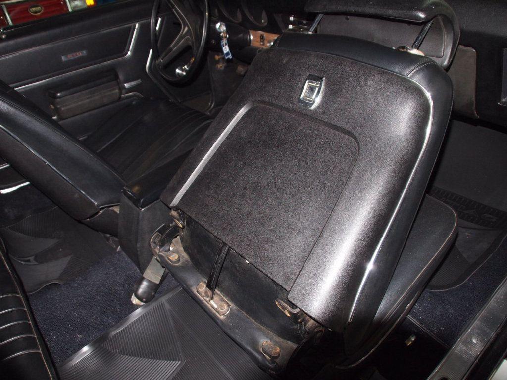 1969 Pontiac GTO  - 16670618 - 30