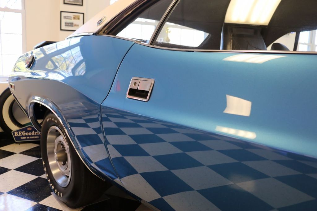 1970 Dodge Challenger R/T S/E - 9759415 - 22