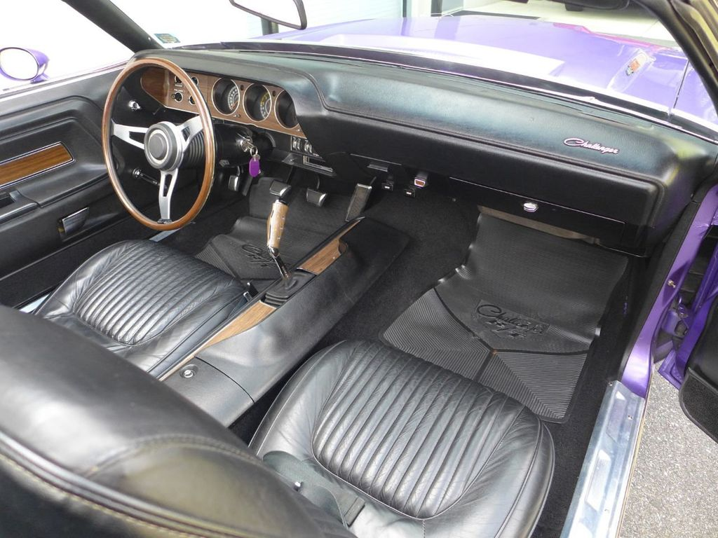 1970 Dodge Challenger R/T  - 18908445 - 13
