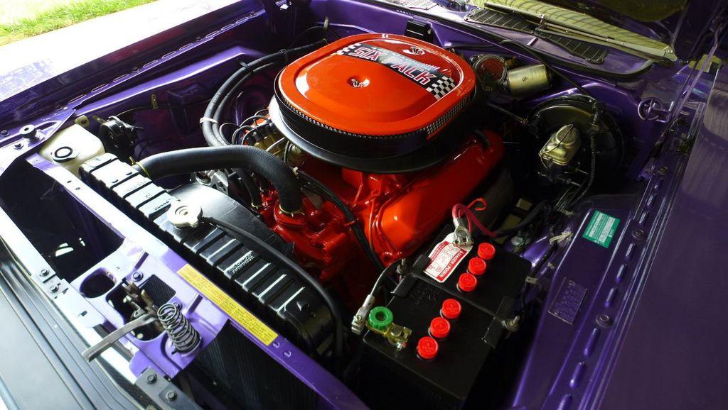 1970 Dodge Challenger R/T  - 18908445 - 19