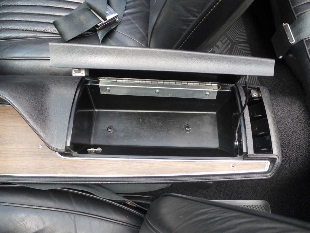 1970 Dodge Challenger R/T  - 18908445 - 38