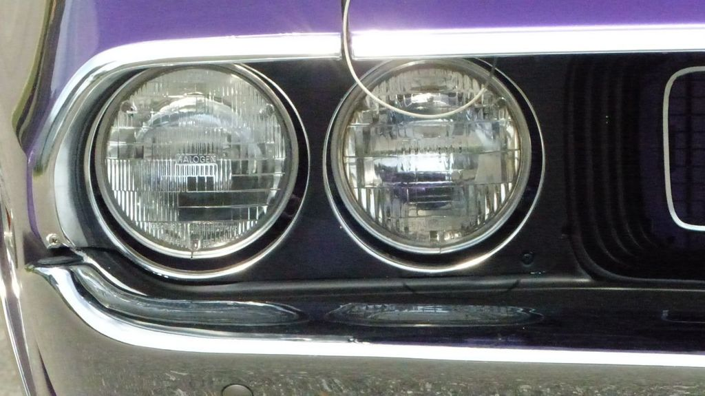 1970 Dodge Challenger R/T  - 18908445 - 46