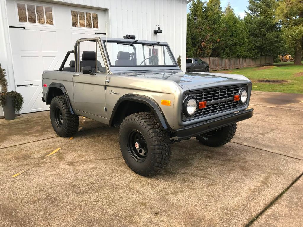 1971 Ford Bronco 302 V8, 3spd, All New Interior and Paint - Choice of Top - 16680989 - 1