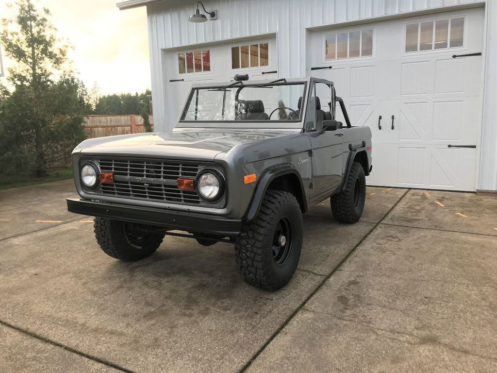 1971 Ford Bronco 302 V8, 3spd, All New Interior and Paint - Choice of Top - 16680989 - 2