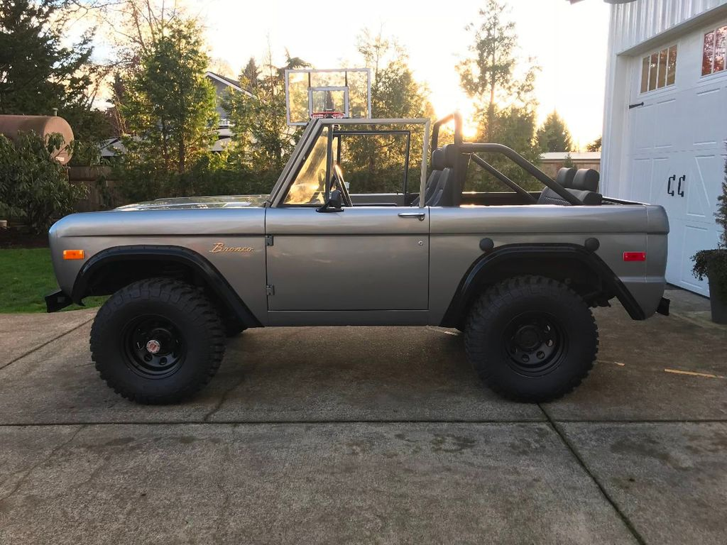 1971 Ford Bronco 302 V8, 3spd, All New Interior and Paint - Choice of Top - 16680989 - 8