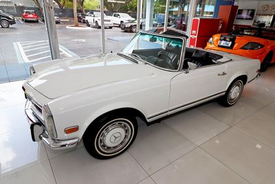 1971 Mercedes-Benz 280SL Roadster with Hard Top - Click to see full-size photo viewer