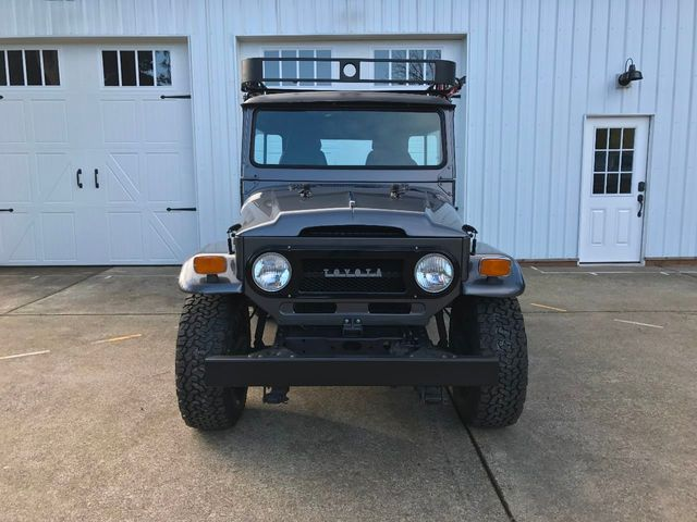 1971 Toyota FJ40 Land Cruiser Fresh Restoration! Power Steering, V8, New Tires and Seats! - 16272440 - 3