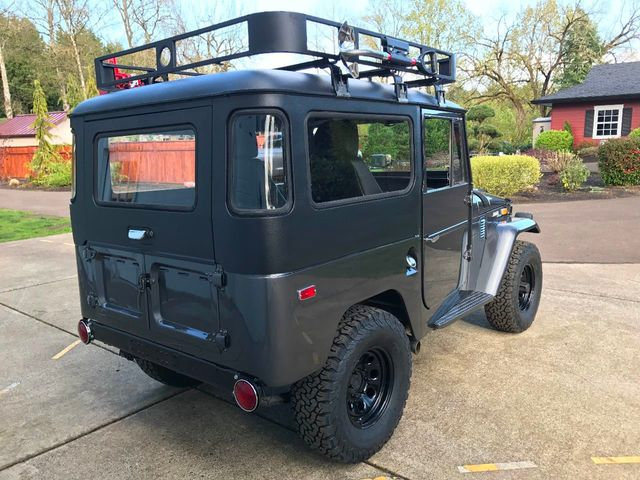 1971 Toyota FJ40 Land Cruiser Fresh Restoration! Power Steering, V8, New Tires and Seats! - 16272440 - 7