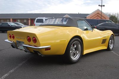 1972 Chevrolet Corvette Roadster 1972 Chevrolet Corvette Roadster - Click to see full-size photo viewer