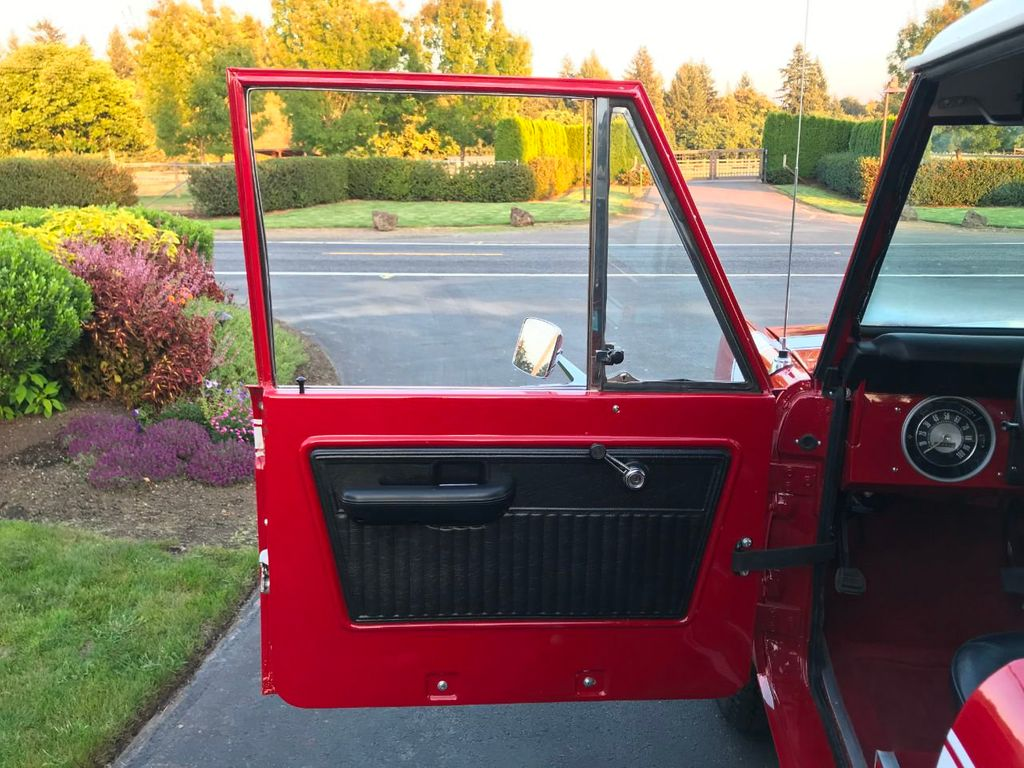1972 Ford Bronco 302 V8 Uncut, AT, PS and a V8!  - 18007832 - 22
