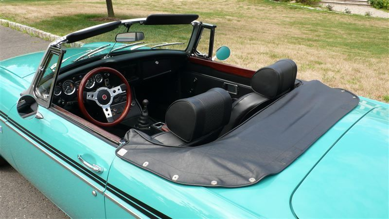 1972 MG MGB SHOW CAR - 9088983 - 25