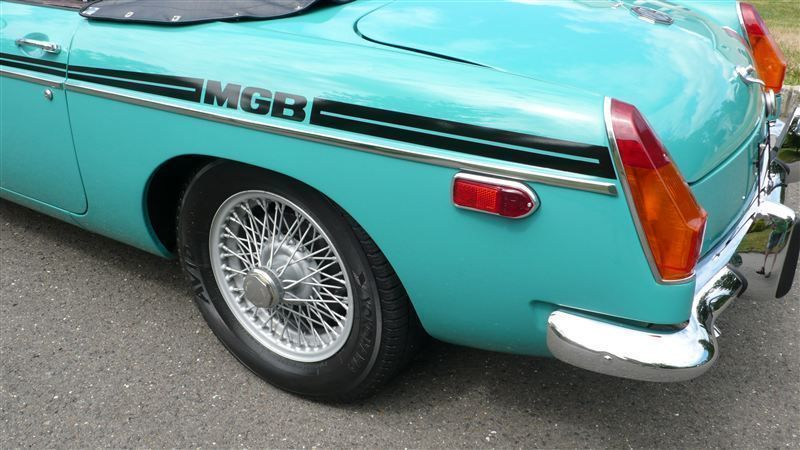 1972 MG MGB SHOW CAR - 9088983 - 26