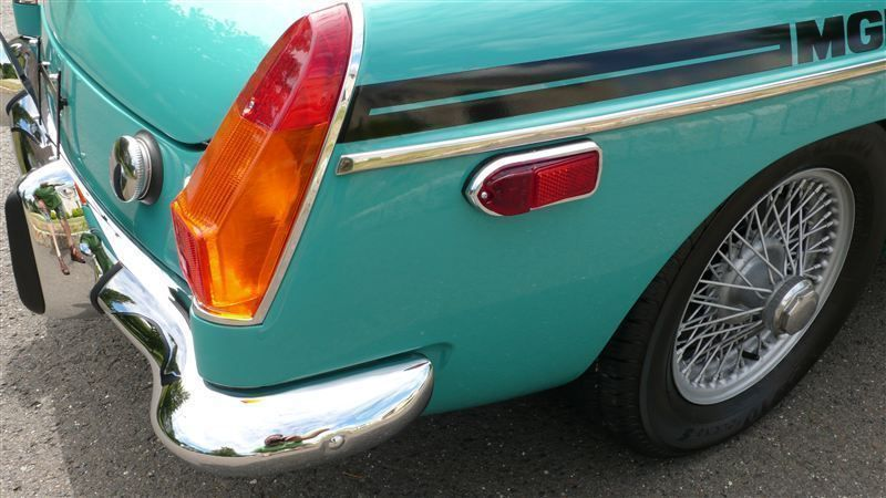 1972 MG MGB SHOW CAR - 9088983 - 38