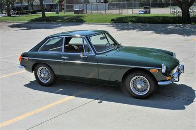 1973 MG B-GT  - Click to see full-size photo viewer