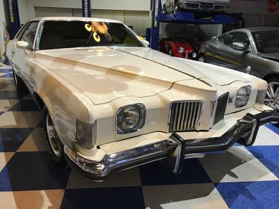 1973 Pontiac Grand Prix J - Click to see full-size photo viewer