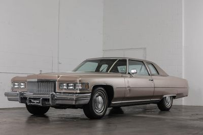 1975 Cadillac Coupe-Deville d'Elegance 1975 Cadillac Coupe-Deville d'Elegance - Click to see full-size photo viewer