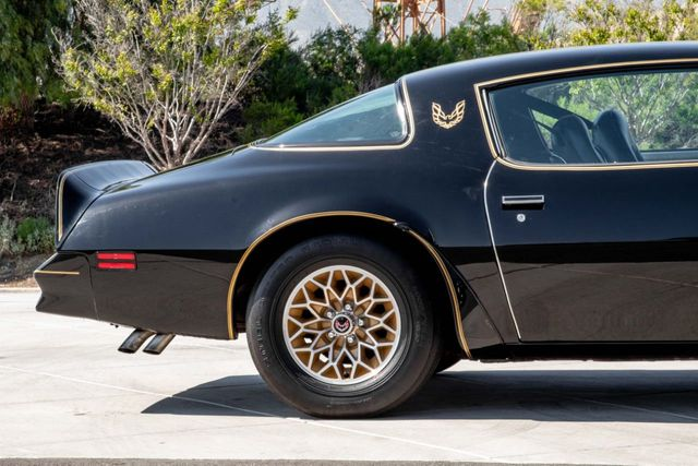 1977 Pontiac Trans Am SE Bandit  - Click to see full-size photo viewer