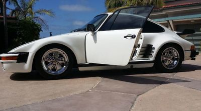 1977 Porsche 911 COUPE  - Click to see full-size photo viewer