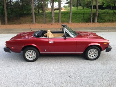 1982 FIAT 124 Spider 124 Spider 2000 Convertible - Click to see full-size photo viewer