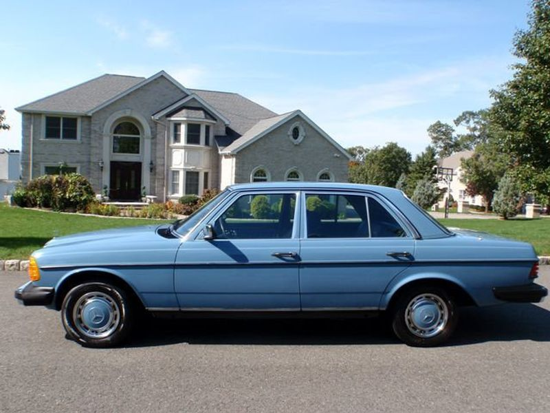 1982 Mercedes-Benz 240 Base Trim - 6202860 - 0