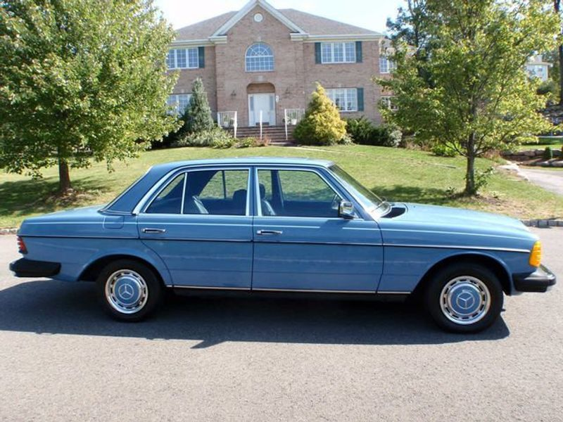 1982 Mercedes-Benz 240 Base Trim - 6202860 - 1