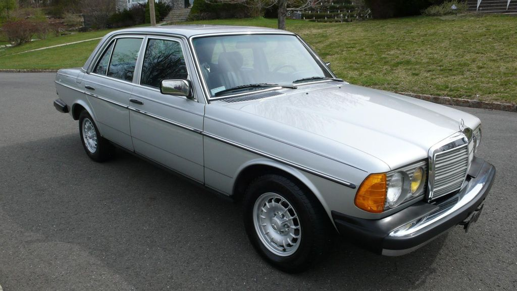 1982 used mercedes benz 300 td at find great cars serving for Mercedes benz houston used