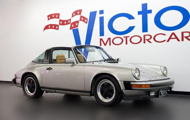 1982 Porsche 911 SC TARGA - Click to see full-size photo viewer