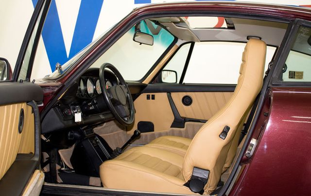 1983 Porsche 911 SC - Click to see full-size photo viewer