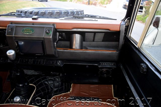 1984 Land Rover Defender  - Click to see full-size photo viewer