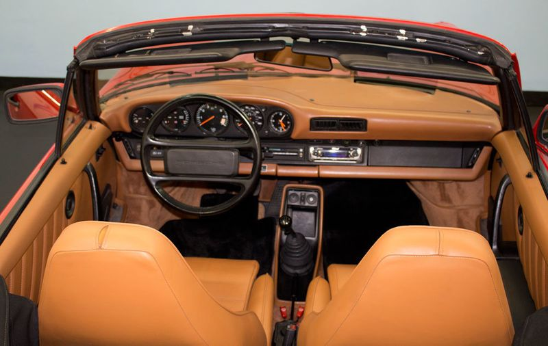 1984 Porsche 911 CARRERA CONVERTIBLE - 19206700 - 19