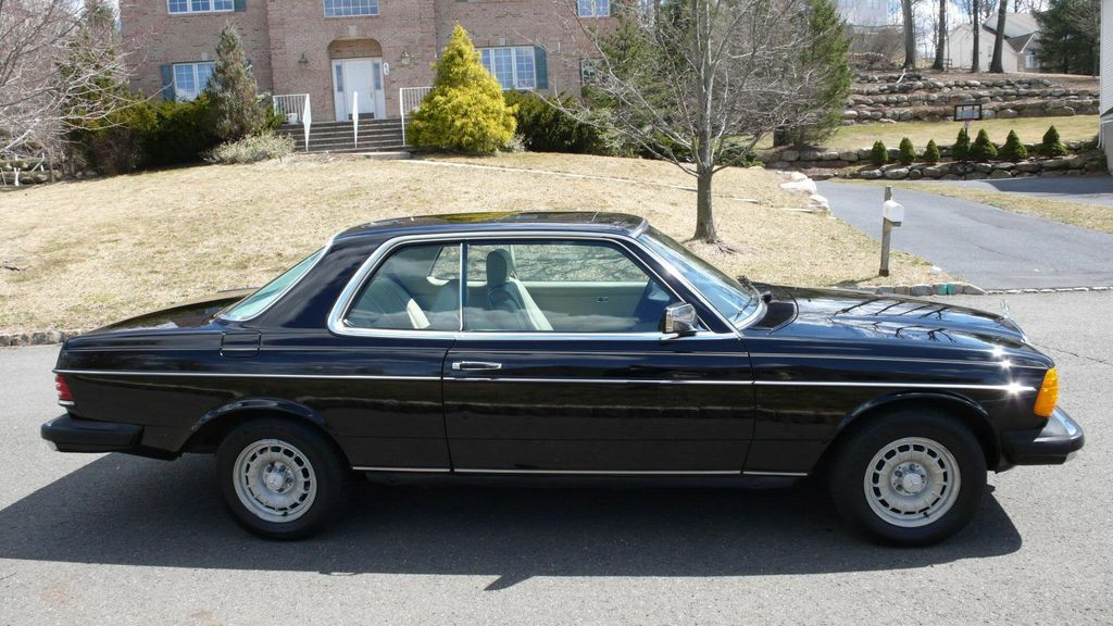 1985 Mercedes-Benz 300 CDT Coupe - WDBAB53A8FA252080 - 1