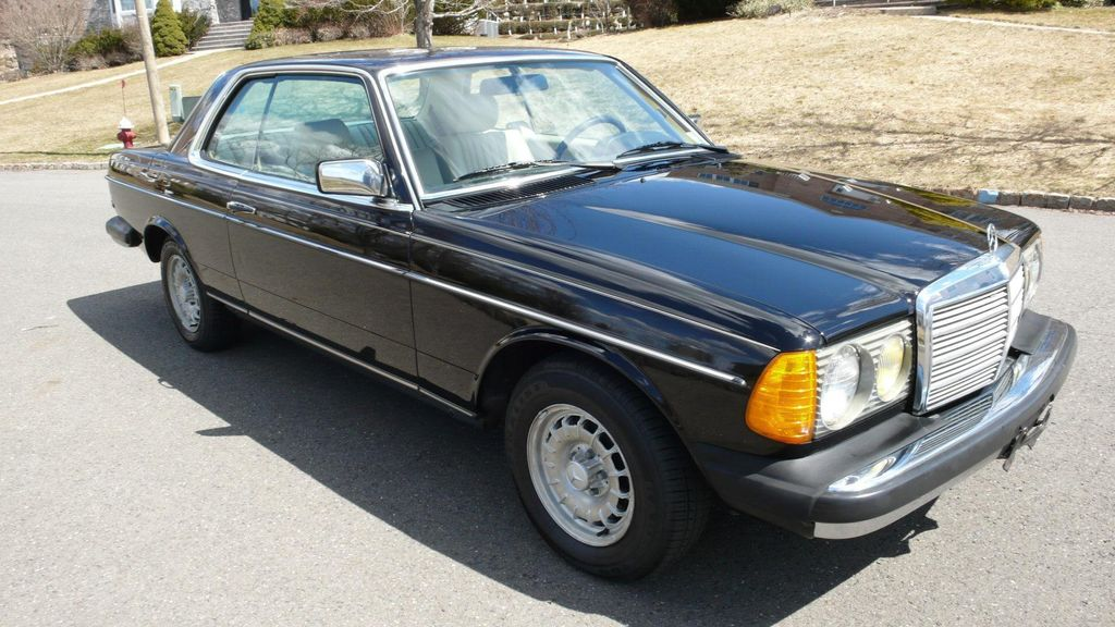 1985 Mercedes-Benz 300 CDT Coupe - WDBAB53A8FA252080 - 3