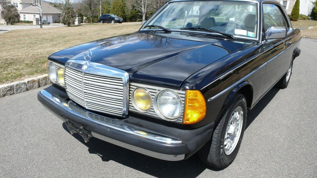 1985 Mercedes-Benz 300 CDT Coupe - WDBAB53A8FA252080 - 4