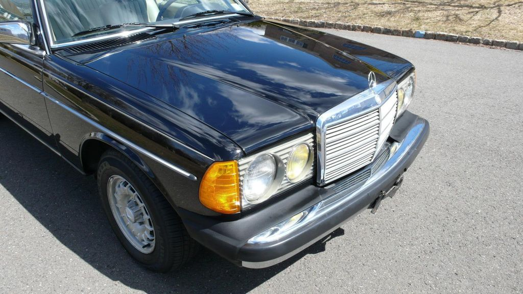 1985 Mercedes-Benz 300 CDT - 10305912 - 57