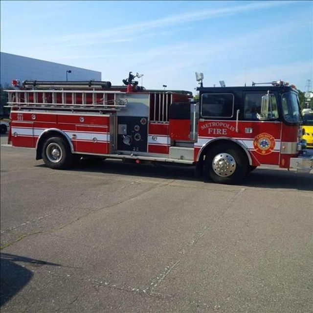 1985 PIERCE FIRE TRUCK PUMPER