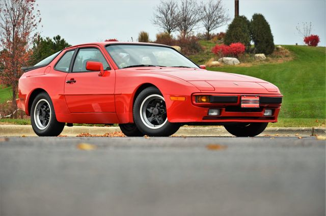1985 Porsche 944 944 Soort Coupe - Click to see full-size photo viewer