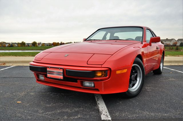 1985 Porsche 944 Base Trim - Click to see full-size photo viewer