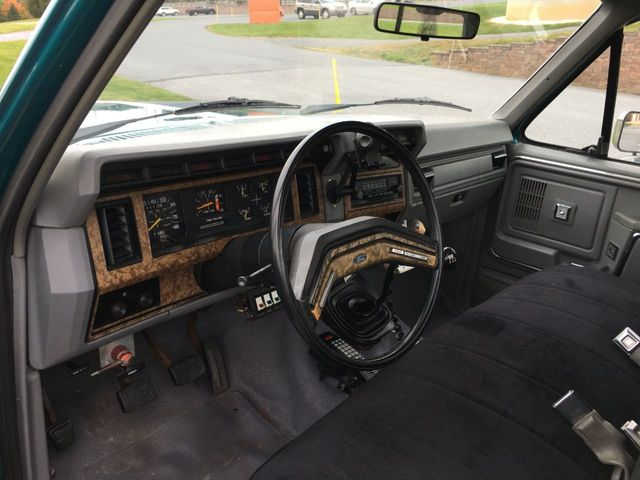 1986 Ford F-350  - Click to see full-size photo viewer