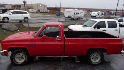 1987 Chevrolet 2500 CUSTOM DELUXE  Truck