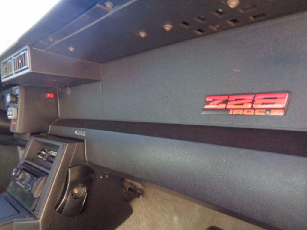 1987 Chevrolet Camaro Z28 IROC Coupe   - 16583052 - 27