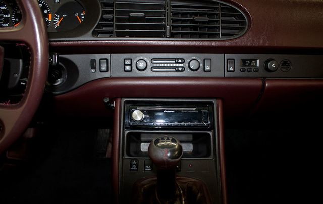1987 Porsche 944 Base Trim - Click to see full-size photo viewer