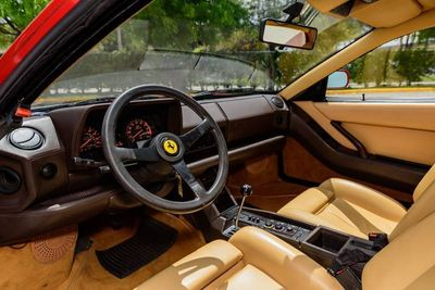 1988 Ferrari Testarossa  - Click to see full-size photo viewer