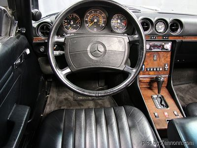 1988 Mercedes-Benz 560 SL - Click to see full-size photo viewer