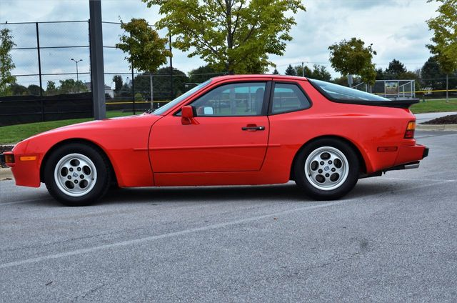 1988 Porsche 944 Base Trim - Click to see full-size photo viewer